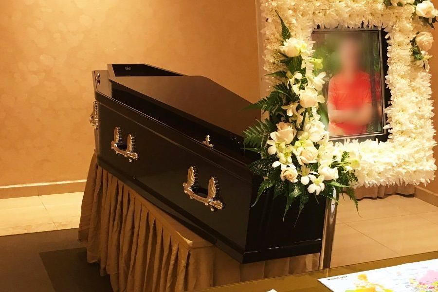 simple non religious funeral